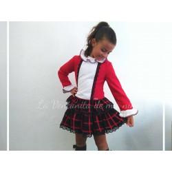 Vestido rojo y falda a cuadros marino y rojo de Dolce Petit